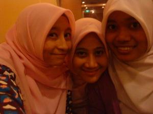with hazwani & hawanis =)